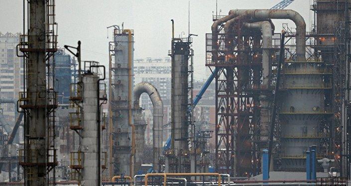 Россия урезала поставки нефти на европейские НПЗ почти на 20%