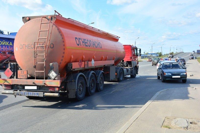 В Курской области произошло ДТП с участие бензовоза