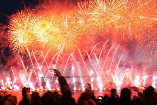 В новогоднюю ночь в парках Москвы запустят 100 тысяч фейерверков.