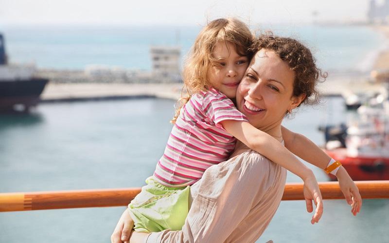 Как воспитывать девочку без отца: 7 важных правил
