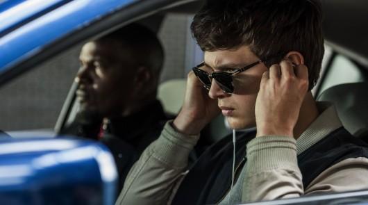 Почему при открытых окнах в машине появляется странный звук