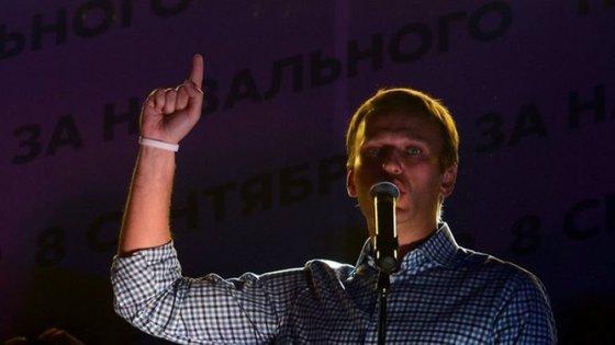 """Как и зачем Навальный начал """"шатать"""" православие"""
