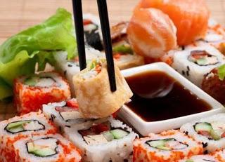 Роллы и суши: из чего состоят