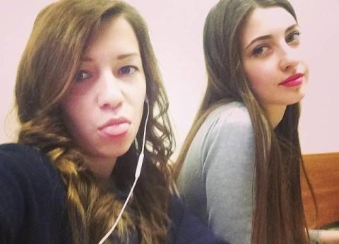 Грудь на коленях: Дочь Розы Сябитовой ужаснула надменным видом и целлюлитом