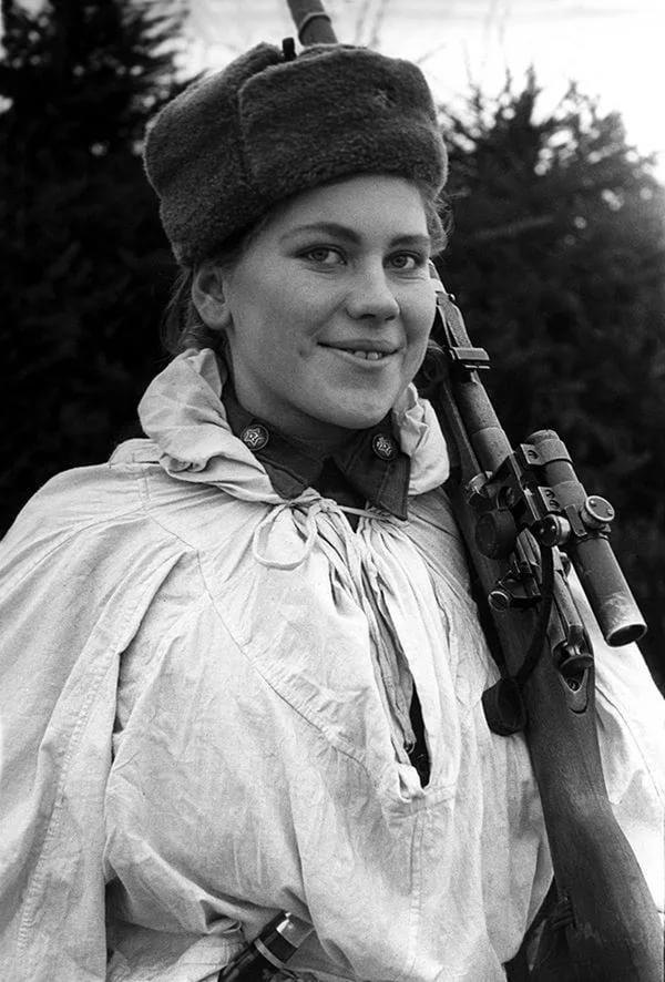 3 апреля 1924 года родилась знаменитая советская девушка-снайпер Роза Егоровна Шанина (1924-1945).