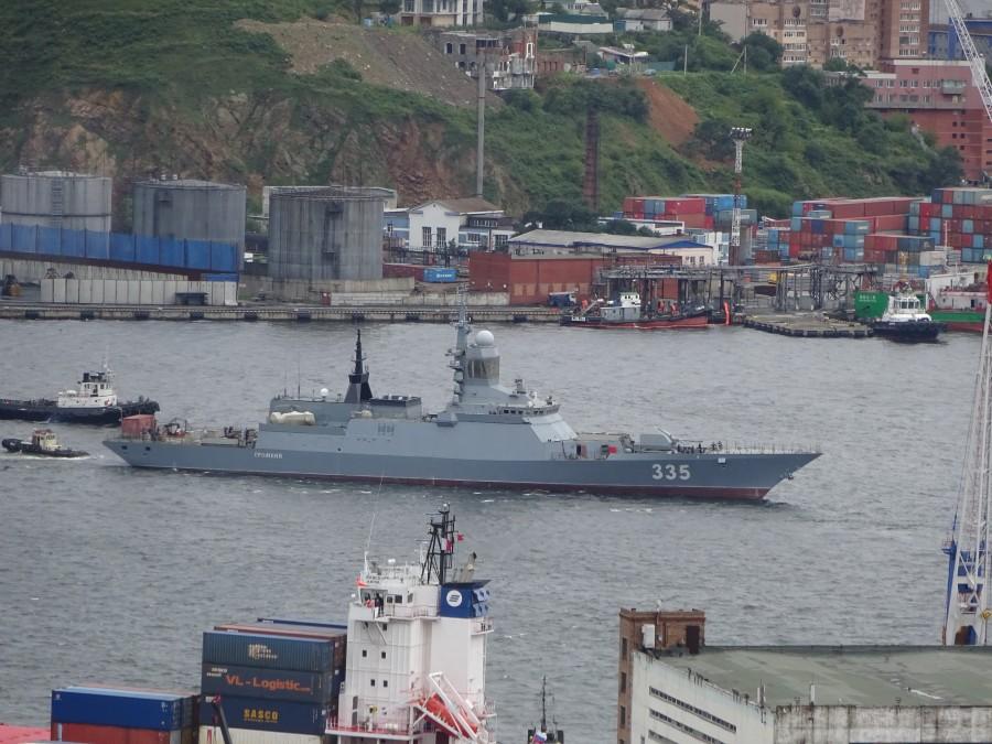Корвет «Громкий» доставлен во Владивосток и выведен из плавучего дока