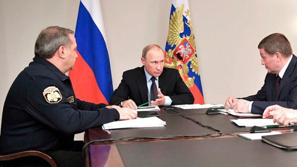 """""""Оперативно и без волокиты"""" - Путин потребовал контролировать помощь пострадавшим от пожаров"""