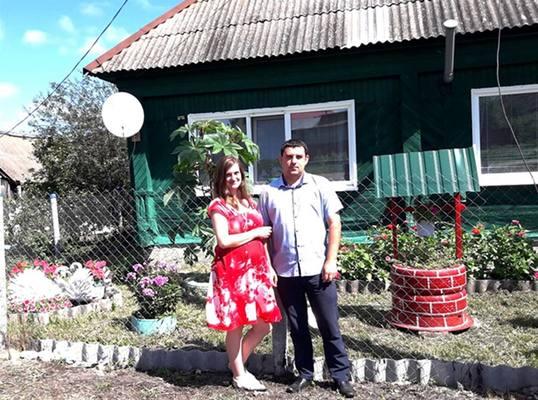 Радует глаз. Семья из Ульяновской области сотворила красоту у дома