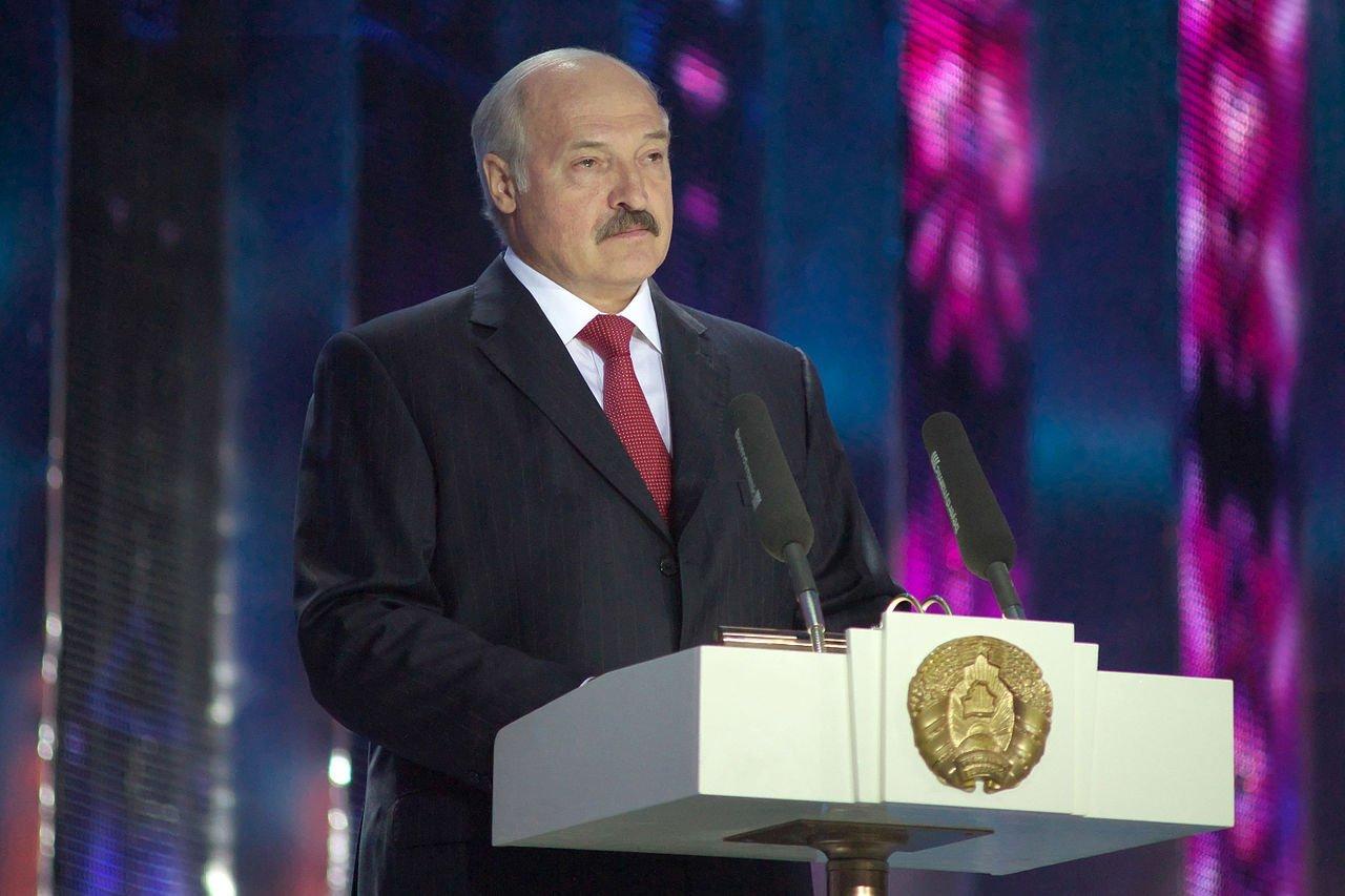 Лукашенко предложил отдать Д…