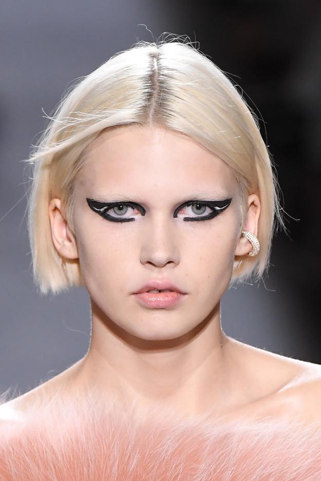 Неделя высокой моды в Париже, осень-зима 2018: тенденции в макияже (фото 6)