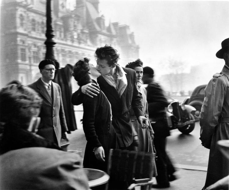 Потрясающий Париж на фотографиях Робера Дуано