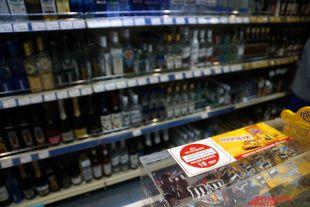 Почему алкоголь хотят снова продавать на заправках?