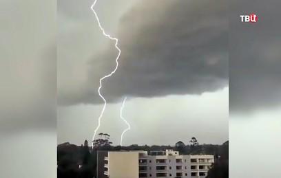 Австралию атаковали мощные ливни и штормовой ветер
