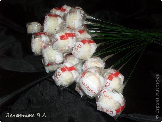 Мастер-класс Свит-дизайн Букет в органзе Бумага гофрированная Бусинки Ленты Продукты пищевые фото 4