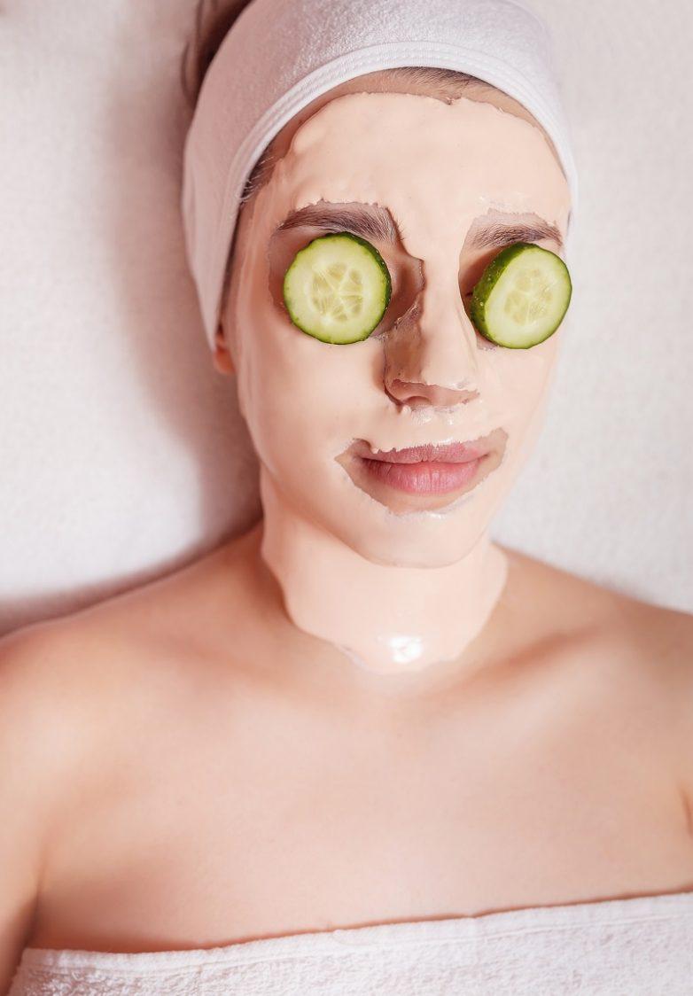 Зачем нужно делать маску из огурцов