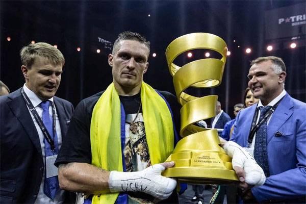 Порошенко: Украинский гимн в Москве - символ приближения нашей победы