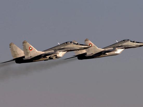 Президент Болгарии объяснил отказ закупать российские истребители МиГ