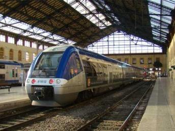 Во Франции построили слишком широкие для эксплуатации поезда
