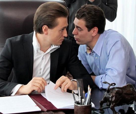 Зарплаты актеров сравнили с годовой пенсией россиян