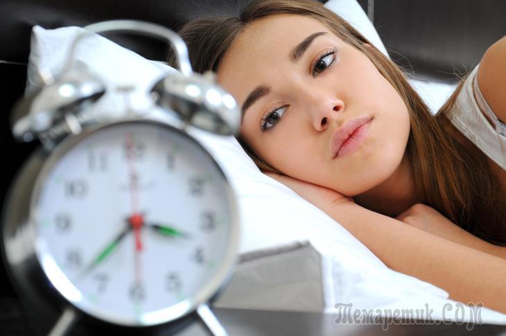 Спать лучше без носков и без лишнего одеяла. /Фото: rd.com