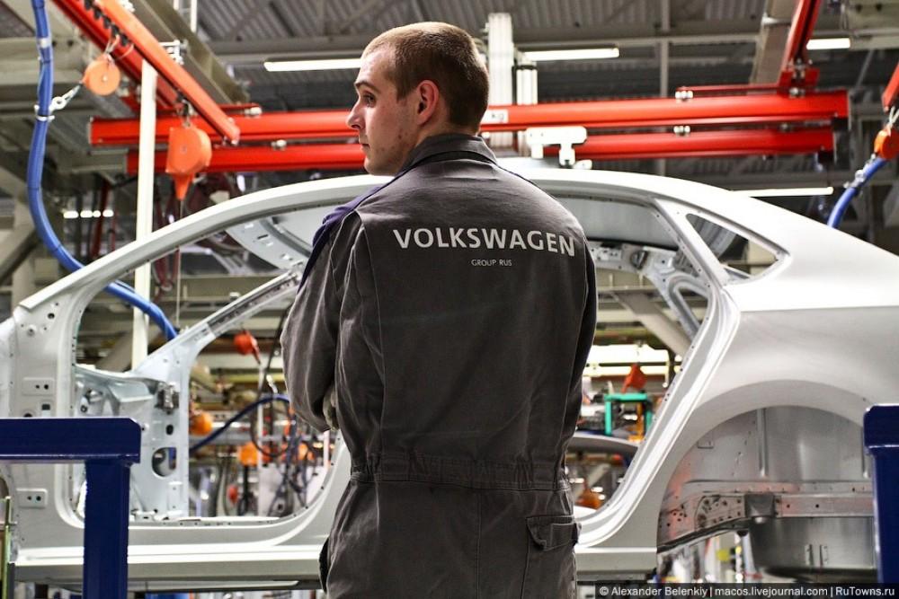 Калужские рабочие нагибают эффективного менеджера-капиталиста Volkswagen