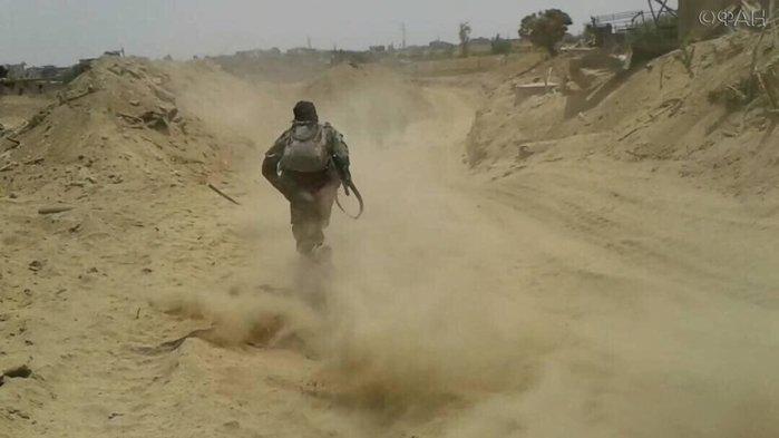 Сирия и ВКС РФ окружают «Ан-Нусру» на границе Идлиба и Алеппо: ФАН публикует фото боев у Ханассера
