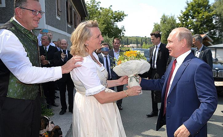 Визит Путина в Австрию стал …