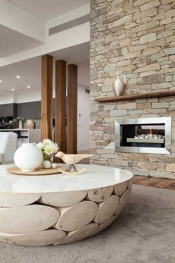 Оригинальный стол в сочетании со стильным интерьером