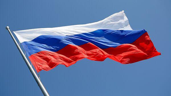 350 лет российскому триколору.  Историк рассказал, как он появился.