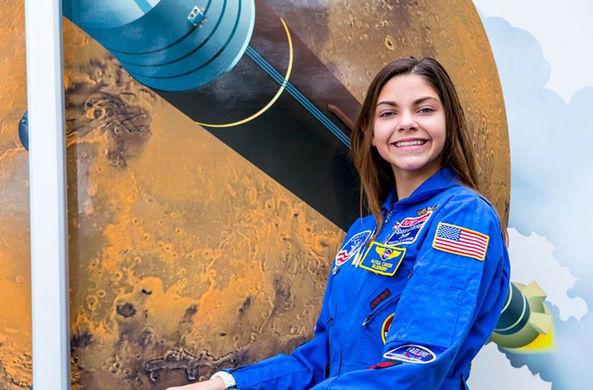 Юная американка станет первым человеком на Марсе