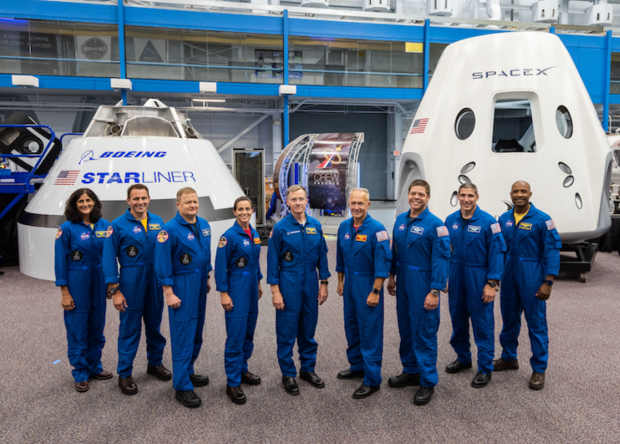NASA объявило экипаж первых миссий частных космических кораблей