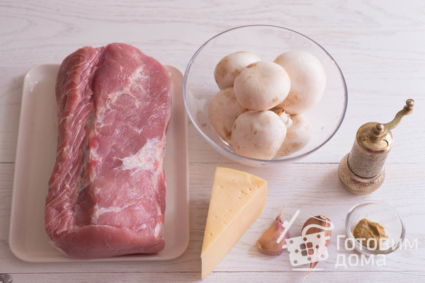 """Мясная """"Книжка"""" с грибами и сыром в духовке (Мясная """"Гармошка"""") фото к рецепту 1"""