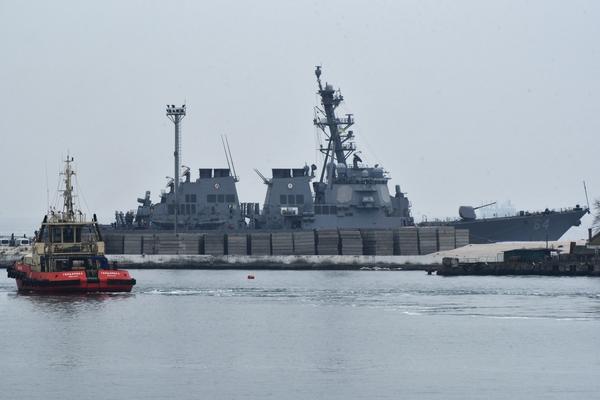 Второй американский эсминец …