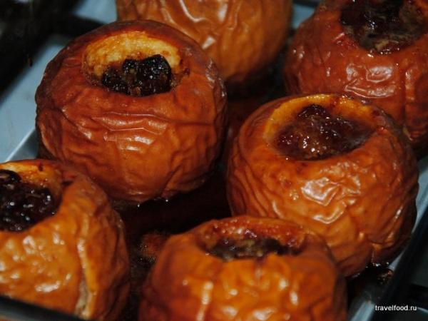 запеченные яблоки с корицей в духовке рецепт