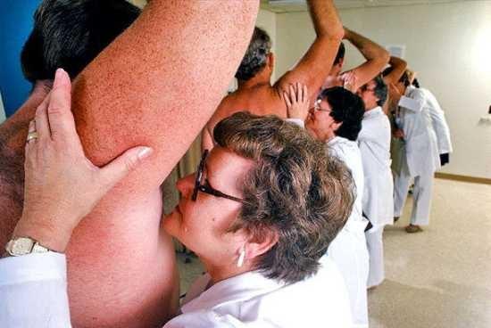 Женщина первым делом обращает внимание на запах тела мужчины- Иследование