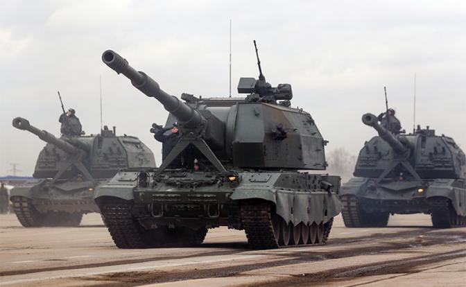 """На фото: самоходные артиллерийские установки """"Коалиция-СВ"""""""