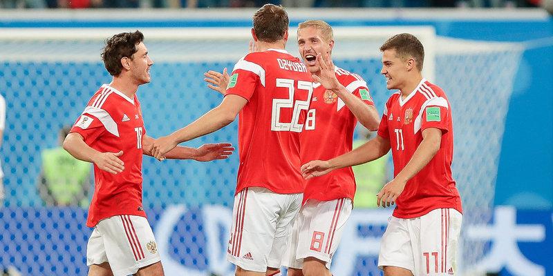 Роман Зобнин купил билеты на матч с Уругваем воспитанникам академии Коноплева