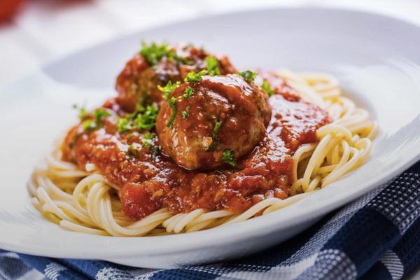 Паста с фрикадельками по всем правилам итальянской кухни