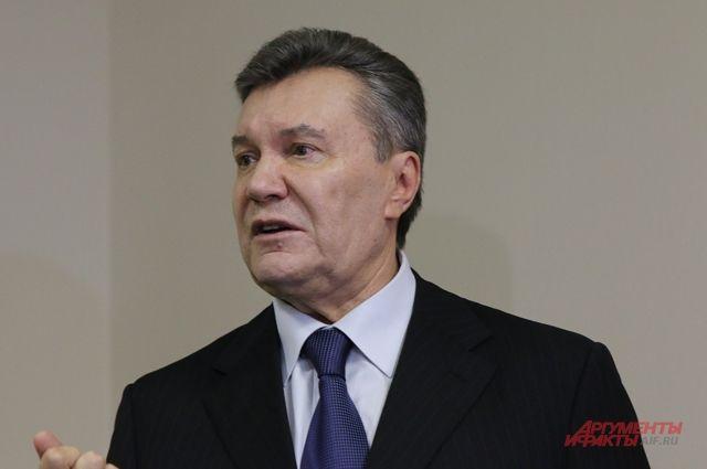 Защита Януковича: прокуроры помогали Порошенко избегать неудобных вопросов