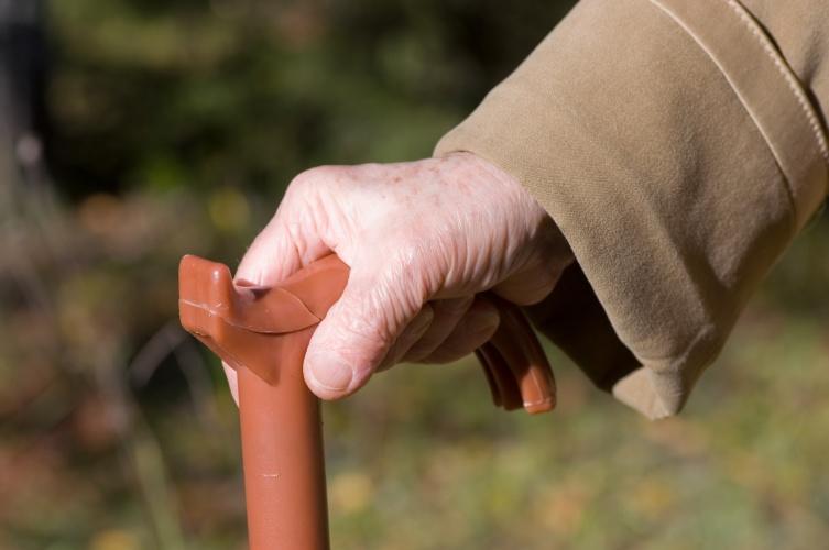 Оглянитесь, возможно помощь нужна вашей соседке или кому-то, живущему поблизости