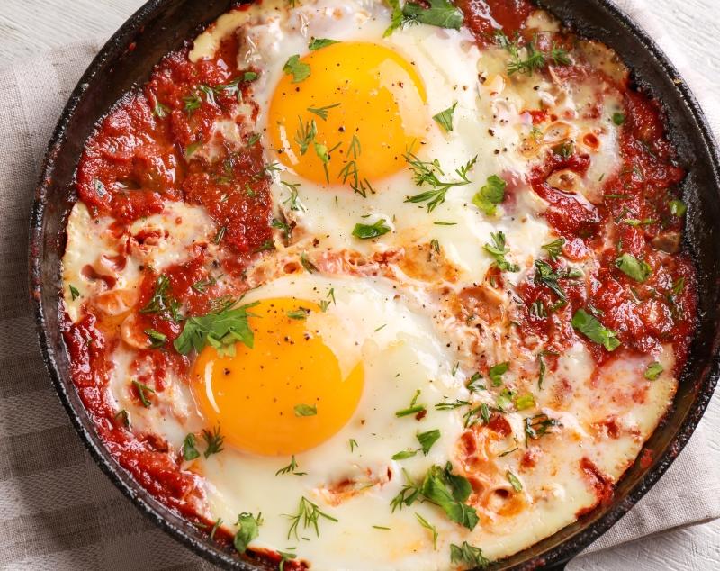 Как приготовить яичницу с фасолевым соусом