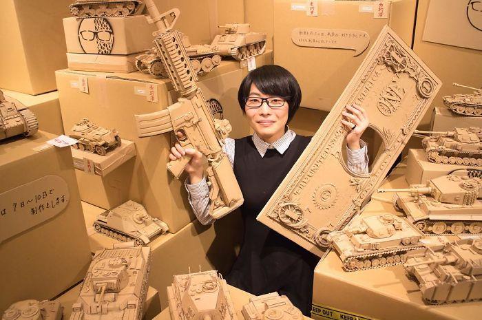Японка никогда не выбрасывает картонные коробки