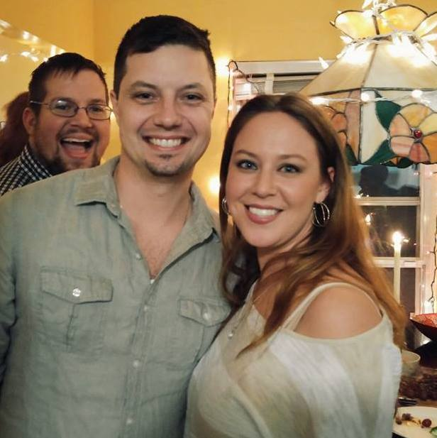 Женщина, умирала от рака, ее жених настоял на свадьбе, но 18 часов спустя её муж заплакал…