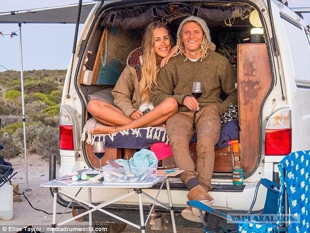 Послать все к черту ! Молодая пара из Австралии живет,  путешествуя в свое удовольствие