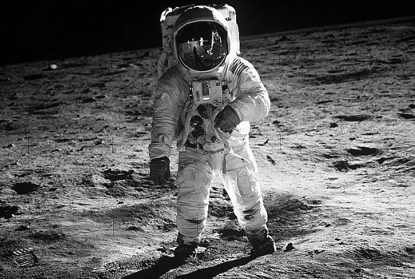 Теория «лунного заговора»: были лиамериканцы наЛуне
