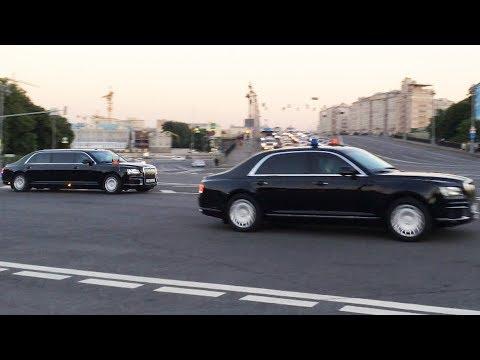 """В Сети появилось видео с выезжающей из Кремля колонной """"кортежей"""""""