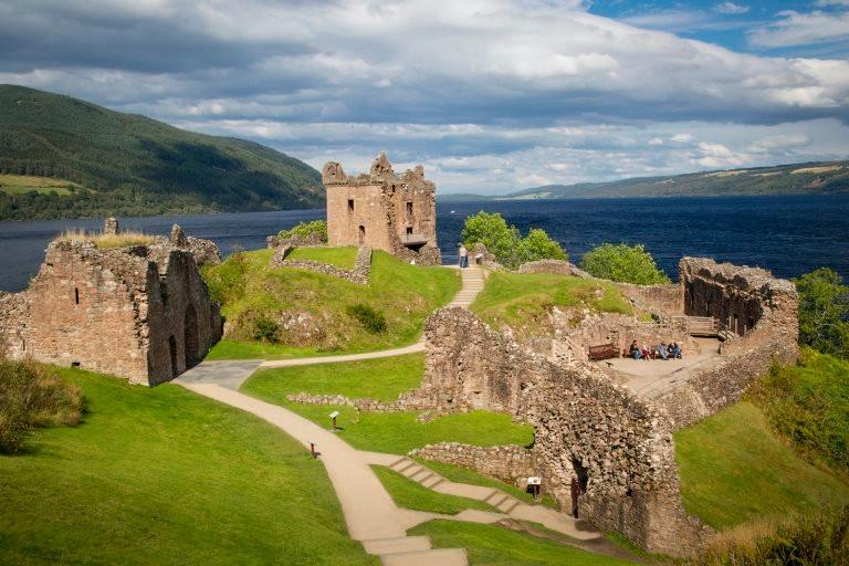 Замок Уркухарт на озере Лох-Несс Rough Guide, голосование, канада, конкурс, куда поехать, опрос, самые красивые страны, шотландия