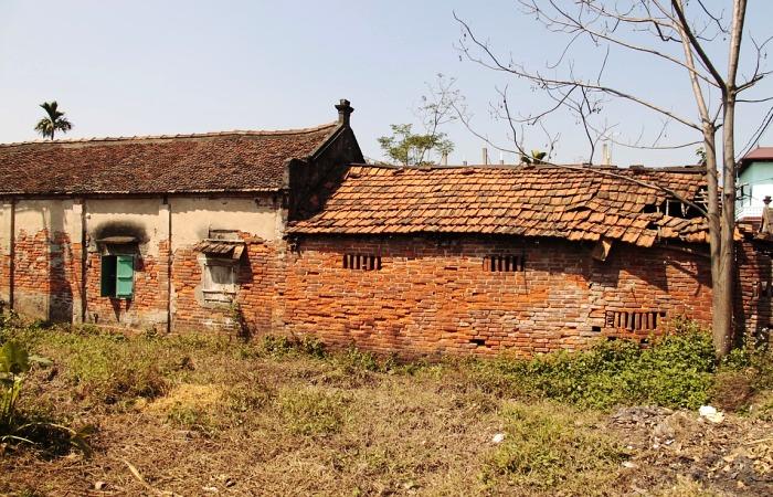 Старая кирпичная постройка может скрывать много чего интересного. | Фото: pixabay.com.