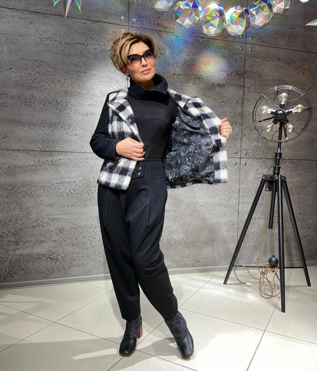 @konarevairina / С чем носить жакет, чтобы выглядеть на миллион? /Фото: instagram.com