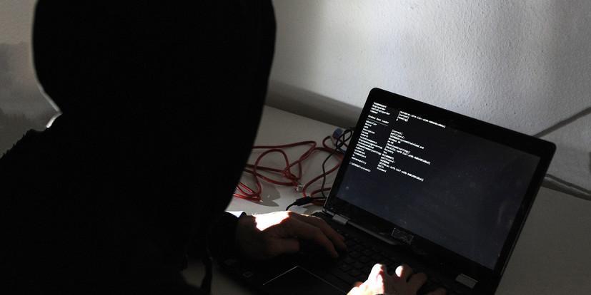 Уральские хакеры украли более миллиарда рублей и взломали базу аэропорта